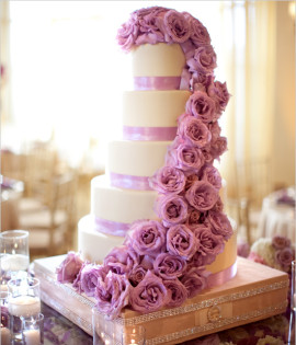 2-cascading_roses_couture_wedding_cake