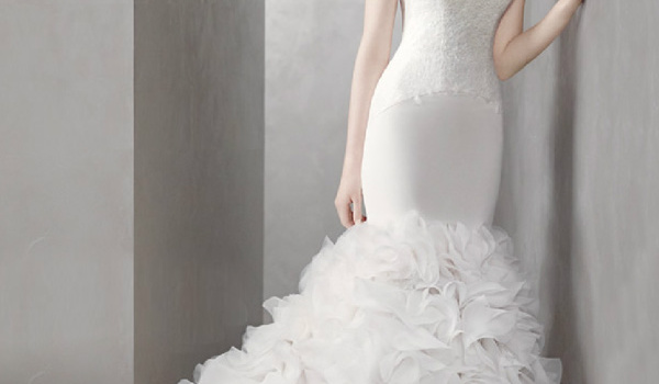 White-by-Vera-Wang-Spring-2012-Mermaid-Gown